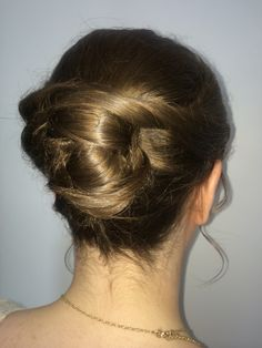 Chignon and knots. Something Beautiful, Hair Designs, Knots, Designers, Bridal, Tattoos, Wedding, Ideas, Style