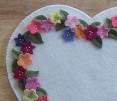 Hearts and Flowers Penny Rug Candle Mat 100 Wool Flowers LQQK | eBay