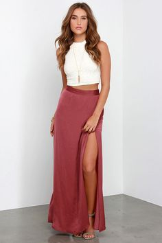 After a moment in the Way to Sway Wine Red Maxi Skirt, we've all become experts in the art of the sway! Satiny woven fabric flows down into maxi skirt with a high side slit. Skirt Outfits, Dress Skirt, Dress Up, Look Fashion, Skirt Fashion, Fashion Outfits, Juniors Clothing Online, Red Maxi, Looks Chic