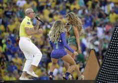 Jennifer Lopez Looks Incredible Kicks World Cup Brazil Performing Stage Pitbull American Idol Judges, American Music Awards, Brazil World Cup, World Cup 2014, World Cup Teams, Fifa World Cup, Jennifer Lopez, World Cup Song, Green Leotard