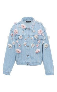 This Anouki Floral Denim Jacket features a classic design with allover floral appliqué detail. Floral Jeans, Floral Jacket, Printed Bomber Jacket, Print Jacket, Look Jean, Do It Yourself Fashion, Denim Ideas, Printed Denim, Denim Outfit