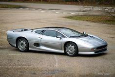 Jaguar year Colour silver metallic with a Smoke Grey leather interior. This fabulous and very impressive Jaguar is in superb top condition! The car has driven … Jaguar Xj220, Classic Sports Cars, Leather Interior, Grey Leather, Cars For Sale, Automobile, Design History, Vehicles, Wheels