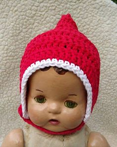 Free newborn crochet pixie hat pattern. Used chunky yarn and larger hook and it is so cute!