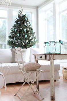 Dreamy Whites: A Simple Christmas Tree~