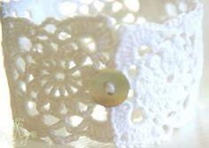 crochet bracelet http://gardenofourmindseye.blogspot.hu/2011/07/bracelet.html