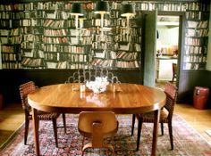 dining amongst the novels