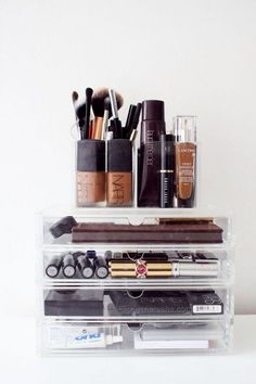 lucite storage boxes are always a great idea for organizing your makeup #clearmakeuporganizer