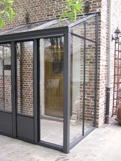Windscreen canopy entrance steel / glass anthracite clinker / red handle - New Ideas Extension Veranda, Porch Extension, Glass Extension, Front Door Porch, Front Porch Design, House Front, Porch Entrance, Sas Entree, Porch Canopy