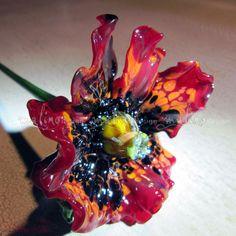 ArtStudio MalinoDesign. Poppy made of colored glass. author's handmade. Lampwork. Flower diameter 7cm.