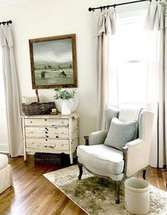 Get inspired by French Country Living Room Design photo by Wayfair. Wayfair lets you find the designer products in the photo and get ideas from thousands of other French Country Living Room Design photos. French Country Rug, French Country Bedrooms, French Country Living Room, French Country Decorating, Country Cottage Bedroom, English Cottage Bedrooms, Modern Cottage Decor, Country Style Living Room, French Country Interiors