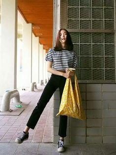 Korean Street Fashion, Korea Fashion, Asian Fashion, Trendy Fashion, Girl Fashion, Fashion Looks, Fashion Outfits, Womens Fashion, India Fashion