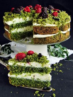 Moss Forest Cake - Not sure I would actually try it, but interesting concept...