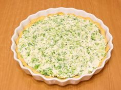 Kinder mliečny rez - rýchly a výborný koláčik bez múky! Creative Food, Pie Dish, Ricotta, Quiche, Macaroni And Cheese, Mozzarella, Healthy Recipes, Healthy Food, Cooking