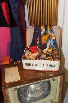 1970 - PIERRE CARDIN, LOUIS FERRAUD, les cravattes avec des motifs typiques d'époque, collection privée © Solo-Mâtine, photo: Alexey Melnikov