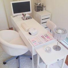 Home Beauty Salon, Home Nail Salon, Nail Salon Design, Beauty Salon Interior, Salon Interior Design, Spa Room Decor, Beauty Room Decor, Beauty Salon Decor Treatment Rooms, Privates Nagelstudio