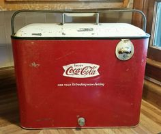 RARE Vintage Airline Coca Cola Fishtail Metal Picnic Cooler Refreshing Feeling