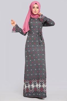 ** YENİ ÜRÜN ** Papatya Çiçekli Elbise Füme Ürün Kodu: NPL1239 --> 49.90 TL Hijab Gown, Hijab Outfit, Islamic Fashion, Muslim Fashion, Dress With Cardigan, The Dress, Abaya Fashion, Fashion Outfits, Womens Fashion