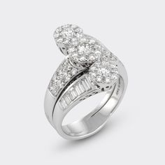 A beautiful diamond ring by ponte vecchio gioielli #engagement #weddinginspiration