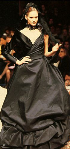Christian Lacroix / Fall & Winter fashion show. 1996-1997.   Model / Ines Rivero. Black dress.