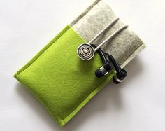 Portacellulare in feltro per iPhone 7 di lana