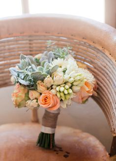 Bride's rustic bouquet with succulents // Mel Barlow & Co