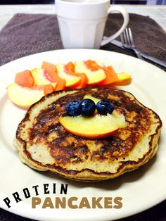 Protein pancakes, healthy breakfast recipe and easy to make.  1 scoop protein (I used Shakeology vanilla)  1/2 banana  2 whole eggs  1 tbs vanilla extract  1/2 tbsp cinnamon   Spray a large pan with non-stick spray over low-medium heat.  Mix all ingredients and cook your pancakes . Enjoy!  21 Day Fix Containers: 1 1/2 purple, 2 Red