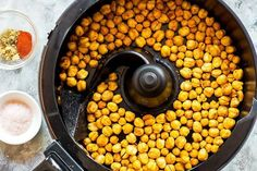 Oven Roasted Chickpeas, Crunchy Chickpeas, Canned Chickpeas, Chickpea Snacks, Chickpea Recipes, Slimming World Vegetarian Recipes, Actifry Recipes, Taco Fillings, Salad Topping