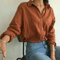 I like those tight jeans and the loose-fitting shirt look . still showing my waist . - - # minimalist Fashion I like those tight jeans and the loose-fitting shirt look … still showing my waist … Look Fashion, 90s Fashion, Korean Fashion, Fashion Outfits, Feminine Fashion, Fashion Styles, Parisian Fashion, Fashion Ideas, Vintage Fashion Style