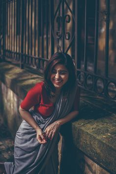 Shweta Tripathi shot in Colaba in the Backdrop of Iconic Buildings Like Elphinstone College and David Sasoon Library. Indian Photoshoot, Saree Photoshoot, Photoshoot Ideas, Portrait Photography Poses, Photography Poses Women, Indian Photography, Cute Girl Poses, Girl Photo Poses, Most Beautiful Indian Actress