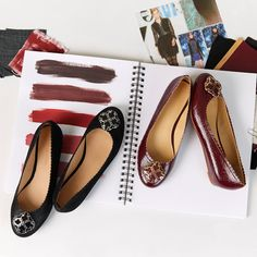 Scallop Edged Flats with interchangeable snaps for different looks with one shoe!   Lindsay Phillips Switchflops