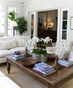 Living room coffee table decorating ideas beautiful living room table decor i Elegant Living Room, New Living Room, Living Room Furniture, Living Room Decor, Decor Room, Modern Living, Living Spaces, Coffee Table Height, Cool Coffee Tables