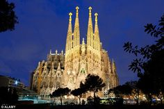 Itsthedavidshow called Barcelona's Sagrada Familia, a UNESCO World Heritage Site, 'heart-stopping'