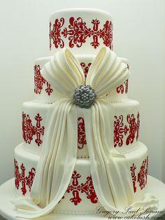 Brooch 'n' Bow Wedding Cake