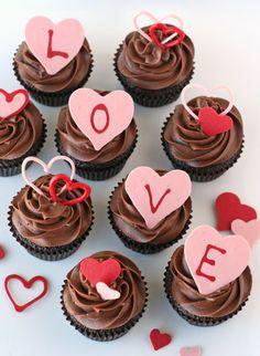 abschiedspartyorganisieren, cupcakes mit herzen, schokolade