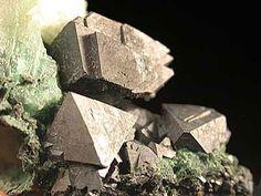 Gersdorffite, NiAsS, Bou Azzer, Morocco. Size ca. 20x17x10 mm. Copyright: Etienne Guillou