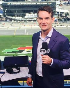 Jeff Gordon debut in the booth for the Daytona 500 February 2016