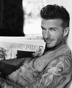 david beckham sexy as hell David Beckham Tattoos, Tatuajes David Beckham, David Beckham Hair, Victoria Beckham, Vic Beckham, Beckham Soccer, Beckham Suit, Pretty People, Beautiful People