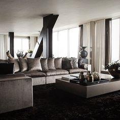 #interior #interiordesign #instaliving #erickuster #metropolitan #luxury #luxuryliving #penthouse #bronze #homestyling #buildingthebrand #skyscraper #highriser #livingintheclouds #sexy