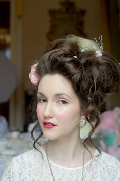 http://www.idealbridemagazine.co.uk/img/features/marie-antoinette-wedding-photoshoot-3.jpg