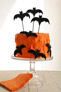 Love this bat cake for Halloween