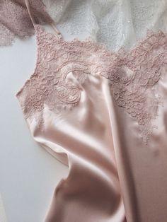 Sleepwear Women, Lingerie Sleepwear, Nightwear, Lingerie Photos, Pretty Lingerie, Pijamas Women, Lace Bridal Robe, Luxury Lingerie, Pyjamas