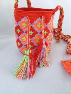 Mini Handmade Wayuu Mochila - M124