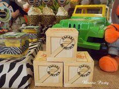 Safari Theme Birthday, 3rd Birthday, Birthday Party Themes, Jungle Party, Safari Party, Minnie Mouse Party, Mickey Minnie Mouse, Minnie Safari, Lion King Birthday