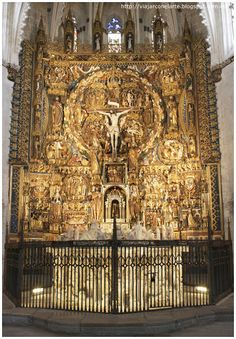 Sanctuary of the Cartuja de Miraflores, Burgos, Spain; featuring one of my favorite altarpieces. Cathedral Architecture, Church Interior, Sculpture Painting, Church Design, Classic Architecture, Jesus Pictures, Beautiful Moon, Christian Church, European History