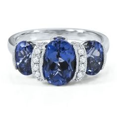 this is my promise ring...my boyfriend just got it for me...it's gorgeous!!!