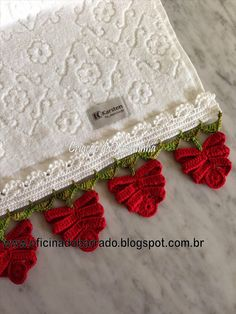 Crochet Lace Edging with Red Flowers - Tutorial on site.