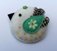 cute felt bird as a pin or ornaments