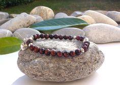 Bracelet de protection en oeil de tigre rouge-bracelet oeil de taureau-bijou chic et zen-bijou coeurs et pierres gemmes-bracelet argent tibétain et pierres : Bracelet par lapassiondisabelle