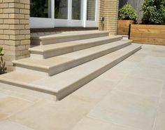 Home Sawn Mint Sandstein Bullnose Steps - Indischer Sandstein - Nustone Are Loft Beds (Bunk Beds) Sa Outdoor Paving, Garden Paving, Outdoor Tiles, Garden Steps, Front Door Steps, Front Stairs, Porch Steps, Sandstone Wall, Sandstone Paving