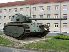 ARL-44 preserved at Mourmelon-Le-Grand army base, FRANCIA